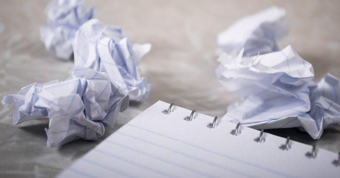 scrivere e distruggere